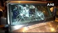 बंगाल में देर रात फिर हुई हिंसा, बीजेपी नेता मुकुल रॉय और समिक भट्टाचार्य की गाड़ी पर हमला