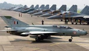 जम्मू-कश्मीर में एक बार फिर हमले की फिराक में आतंकी, एयरबेस को बना सकते हैं निशाना