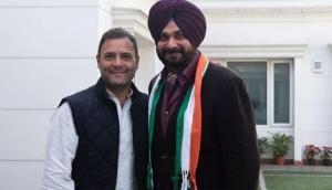 As Rahul Gandhi defeated in Amethi, Twitterati asks Navjot Singh Sidhu when you are leaving Politics?