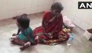 अस्पताल में भर्ती बीमार मां के इलाज के लिए भीख मांगती दिखी 6 साल की बच्ची