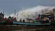 गुजरात के तट से आज टकराएगा चक्रवाती तूफान वायु, 40 ट्रेनें रद्द, कई जिलों में अलर्ट जारी
