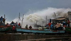 Cyclone Vayu weakens, to cross Gujarat coast by night