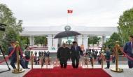 जब इन दो देशों के राष्ट्रपति ने प्रधानमंत्री मोदी के लिए पकड़ लिया छाता...