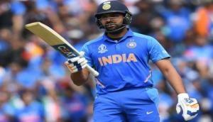 IND vs PAK, World Cup 2019: रोहित शर्मा ने लगाया अर्धशतक, भारत का स्कोर 79 के पार
