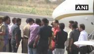 अयोध्या पहुंचे शिवसेना प्रमुख उद्धव ठाकरे, पार्टी के 18 सांसद भी मौजूद