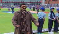 INDvPAK: इंडिया की जीत के बाद जोशीले अंदाज में रणवीर, मैदान में जाकर विराट को यूं लगाया गले, देखें Video