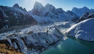 हिमालय पर मंडरा रहा बढ़ते तापमान का खतरा, दो गुनी गति से पिघल रहे ग्लेशियर