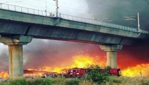कालिंदी कुंज मेट्रो स्टेशन के पास लगी भीषण आग, मेट्रो सेवा ठप्प, हजारों यात्री परेशान