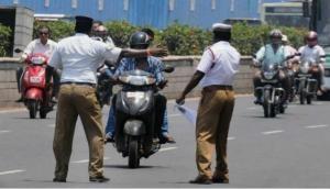भारत में तो सिर्फ कटता है चालान, इस देश में ट्रैफिक नियम तोड़ने पर पड़ते हैं 80 कोड़े