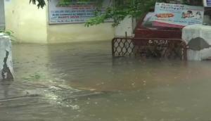 Video: बारिश से डूबी फिल्मों की नगरी, चारों ओर पानी ही पानी, जन-जीवन हुआ अस्त-व्यस्त