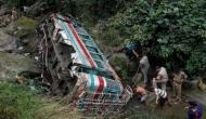 जम्मू-कश्मीर के किश्तवाड़ में खाई में गिरी मिनी बस, 35 लोगों की मौत