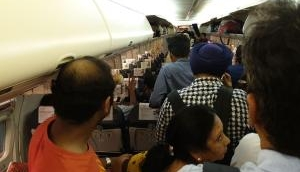 मुंबई: बारिश से हवाई यातायात प्रभावित, 54 उड़ानों के रुट डायवर्ट, 52 रद्द