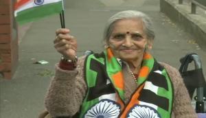 World Cup 2019: भारतीय टीम के प्रति गजब की दीवानगी, 87 साल की उम्र में व्हीलचेयर पर सपोर्ट करने पहुंची यह महिला