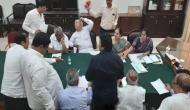 कर्नाटक: विधायकों के इस्तीफे के बाद कांग्रेस पार्टी में भूचाल, दिल्ली में पार्टी की इमरजेंसी मीटिंग