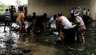 यमुना एक्सप्रेसवे दुर्घटना : ग्रमीणों ने जान पर खेलकर 20 लोगों को बचाया