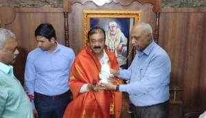 Rebel Karnataka MLAs head to Shirdi for visit to Saibaba temple