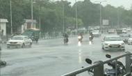 दिल्ली-NCR वासियों पर मॉनसून हुआ मेहरबान, बारिश की फुहारों से खुशनुमा हुआ मौसम