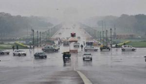 Delhi: Cool cloudy morning in city, light rain expected