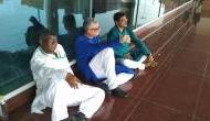 सोनभद्र हिंसा: अब टीएमसी सांसदों को वाराणसी एयरपोर्ट पर हिरासत में लिया गया