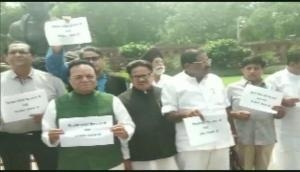 Congress MPs protests in Parliament premises over Sonbhadra violence