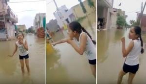 बाढ़ आई तो 10 साल की इस नन्ही रिपोर्टर ने उधेड़ दी सरकार की बखिया, Video मचा रहा है धूम