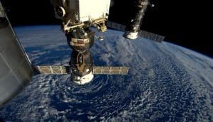 अंतरिक्ष में कैसे रहते हैं अंतरिक्षयात्री, टॉयलेट करने का तरीका जानकर रह जाएंगे दंग