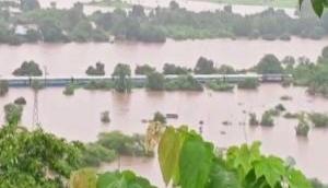 Maharashtra govt seeks airlift of passengers stranded in train stuck