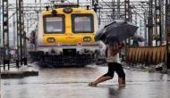 मुंबई में भारी बारिश ने रफ्तार पर लगाया ब्रेक, कई ट्रेनें रद्द, सेंट्रल रेल लाइन भी ठप