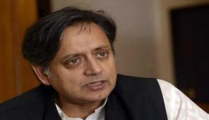 कांग्रेस नेता शशि थरूर की ललकार- कश्मीर का एक इंच भी नहीं देंगे पाकिस्तान को
