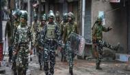 जम्मू-कश्मीर में हलचल तेज, कई शहरों में इंटरनेट सेवा बंद, धारा 144 लागू