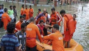 Maharashtra: NDRF team rescues several families following heavy rains