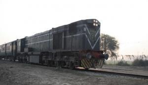 Pakistan stops Samjhauta Express at Wagah for security measures