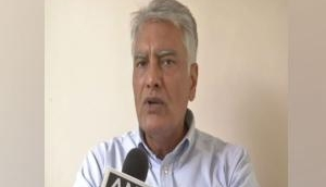 Gandhis have earned stature through sacrifices, BJP has marginalised its senior leadership: Sunil Jakhar