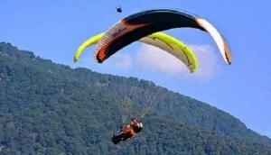 Scary! Doctor dies in paragliding crash, parachute operator suffers injuries