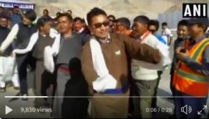 Video: लद्दाख के जिस सांसद ने अपने भाषण से संसद में लूटी थी वाहवाही, स्वतंत्रता दिवस पर जमकर किया डांस