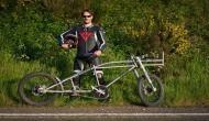 इस शख्स ने ट्रेन और कार से तेज चलाई साइकिल, तोड़ा दो दशक से पुराना रिकॉर्ड