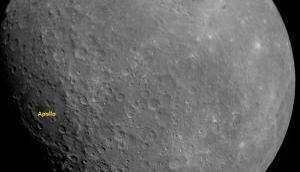 चंद्रयान-2 ने चंद्रमा की पहली तस्वीर भेजी है, धरती से दिखता है बिल्कुल अलग