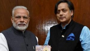 धीरे-धीरे सारे कांग्रेसी नेता क्यों हो रहे PM मोदी के मुरीद, अब शशि थरूर ने गाया गुणगान
