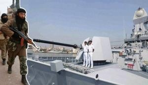 नौसेना को मिला इनपुट, समुद्र के जरिए गुजरात में घुस सकते हैं पाकिस्तानी कमांंडो, हो सकता है बड़ा हमला
