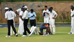 इस भारतीय बल्लेबाज की गर्दन पर लगी गेंद, एंबुलेस से पहुंचाया गया अस्पताल