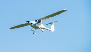 6200 फीट ऊंचाई पर विमान उड़ा रहा ट्रेनर हुआ बेहोश, ट्रेनिंग ले रहे छात्र ने ऐसे कराई लैंडिंग