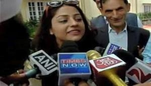 Supreme Court allows Mehbooba Mufti's daughter to meet her