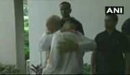 Video: PM मोदी को पकड़कर फूट-फूटकर रोने लगे ISRO चीफ, देखकर आपकी आंखें भी हो जाएंगी नम