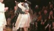 VIDEO: फैशन शो में रैंप पर जया बच्चन ने दौड़कर लगाया मॉडल को गले,चौंका देगी ये वजह