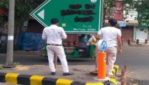 Delhi: Hindu Sena blackens Babur Road signboard, demands name change