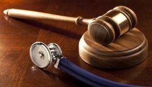 डॉक्टरों की गलती से हर साल जाती है  26 लाख लोगों की जान, करोड़ों को होता है  नुकसान- रिपोर्ट