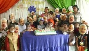 West Bengal: School children celebrate PM Modi's 69th birthday in eccentric way