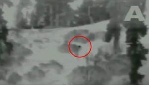 Video: जमीन पर रेंगकर LoC में घुसना चाह रहे थे पाक BAT, इंडियन आर्मी ने बम बरसाकर कर दिया ढेर