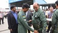 राजनाथ सिंह बने लाइट कॉम्बैट एयरक्राफ्ट तेजस में उड़ान भरने वाले पहले रक्षा मंत्री