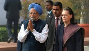 Sonia Gandhi, Manmohan Singh meet Chidambaram in Tihar jail today